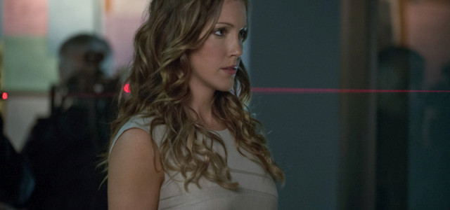 "Next Week On Arrow: ""Broken Dolls"" (Trailer & Pics)"