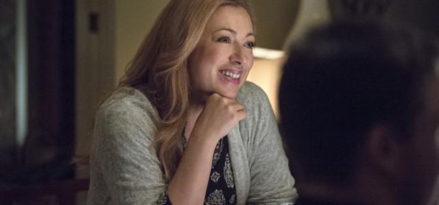 "Alex Kingston Returns In Arrow Episode #3.9 ""The Climb"""