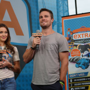 Images: Arrow Cast & Producers At The EXTRA Stage