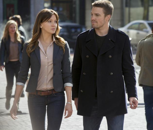 """Arrow Episode 100 """"Invasion!"""" Description: Katie Cassidy's Role Confirmed"""