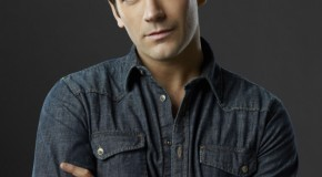 "Video: ""Start Now"" With Arrow's Colin Donnell"