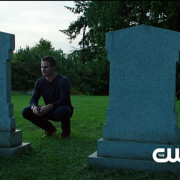 "Arrow Episode 2 ""Honor Thy Father"" Promo Trailer Screencaps"