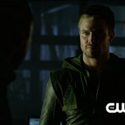"Arrow ""An Innocent Man"" Extended Trailer Screencaps: Well-Dressed, Already?"