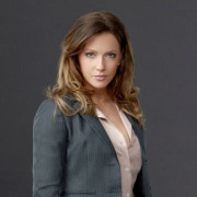 Arrow Season 1 Cast Gallery Images!