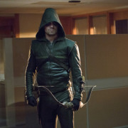 "Arrow ""Legacies"" Advance Review: A Good Deal"