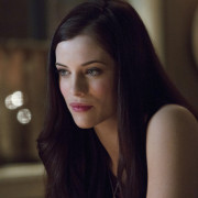Jessica De Gouw Gets The Female Lead Role In The New Dracula Series