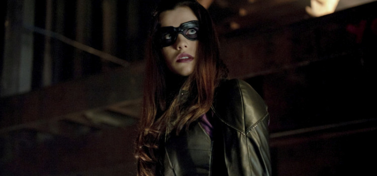 "Arrow Episode 8 ""Vendetta"" Images – With A Lot Of The Huntress!"