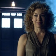 Arrow Casts Doctor Who's Alex Kingston As Laurel's [Spoiler!]