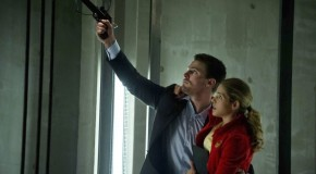 "Arrow Ep 22 ""Darkness On The Edge Of Town"" Images – With John Barrowman & Olicity!"