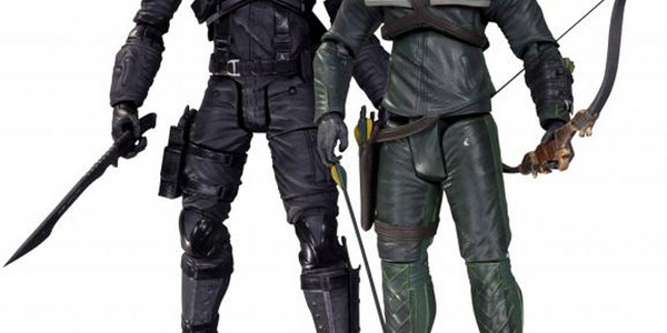 Arrow's Oliver Queen & Deathstroke Action Figures To Be Unveiled At SDCC