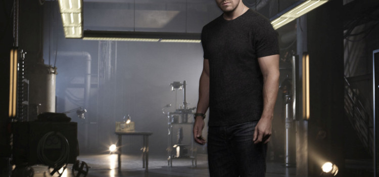 New Arrow Promo: Who Is Oliver Queen?