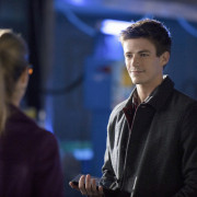 "Grant Gustin & The Arrow Team Preview ""The Scientist"""