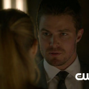 "Arrow: ""State v. Queen"" Preview Clip!"