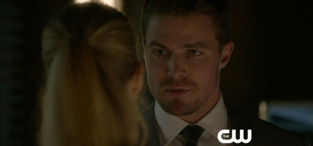 "Arrow: Screen Captures From A ""State v. Queen"" Preview Clip — With ""Olicity!"""