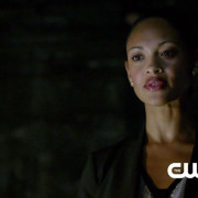 "Arrow ""Keep Your Enemies Closer"" Promo Screencaps – Amanda Waller Is Here!"