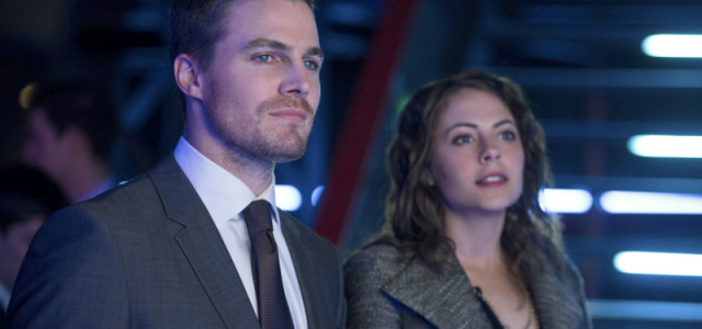 """Arrow Returns: Official Images From """"Blast Radius"""""""