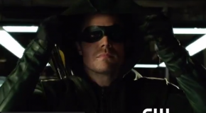 Oliver Queen's Mask: Kreisberg, Berlanti & Johns Talk About The New Addition