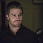 "Arrow: 19 Official Images From ""Time Of Death"""