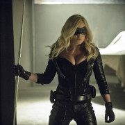 "Advance Review Of Tonight's New Arrow Episode: ""Birds Of Prey"""