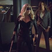 "Video: Arrow ""Birds of Prey"" Producer's Preview"