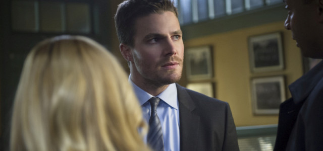 "Arrow: Official Episodic Images From ""Deathstroke!"""