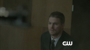 "Arrow: ""Birds Of Prey"" Preview Clip"