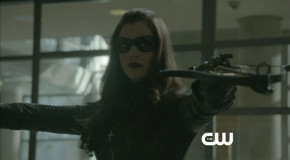 "Arrow: Screen Captures From A ""Birds Of Prey"" Preview Clip"