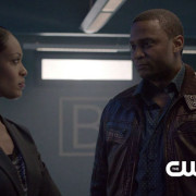 "Arrow Preview Clip Screencaps: John Diggle Meets The ""Suicide Squad!"""