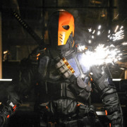"""Deathstroke Returns"" In Arrow Episode #6.5"