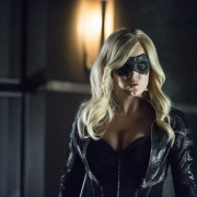 Arrow/Flash Spinoff Intel: When Will We Know More? (Especially Regarding Caity Lotz)