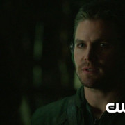"Arrow: Screencaps From An ""Unthinkable"" Preview Clip"