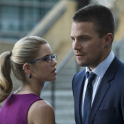 "Stephen Amell On Olicity Dating Others: ""Arrow Is So Many Things"""