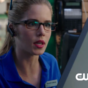 Arrow Clip: See Felicity's New Job & Talk Of The Olicity Date