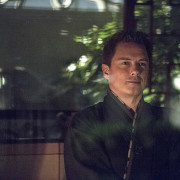 John Barrowman Returns In Arrow Episode 100