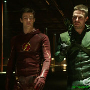 "Arrow: Screencaps From A ""Brave And The Bold"" Preview Trailer!"