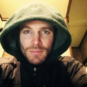 Stephen Amell Thanks Fans For Their Condolences