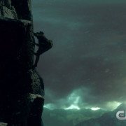 "Arrow ""The Climb"" Promo Screencaps: Oliver vs. Ra's al Ghul!"