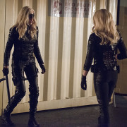 "Arrow: Caity Lotz Returns In Official ""Canaries"" Photos"