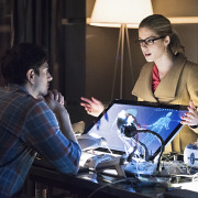 Arrow: Andrew Kreisberg Talks About THAT Ray/Felicity Scene