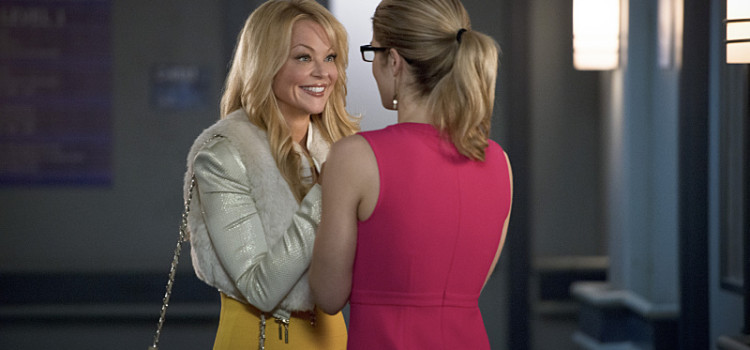 "Donna Smoak Is Back: 16 Images From Arrow #3.18 ""Public Enemy"""