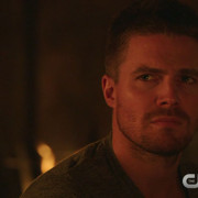 "Arrow ""The Offer"" Preview Clip"