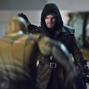 "Photos: Oliver Queen Visits The Flash In ""Rogue Air"""