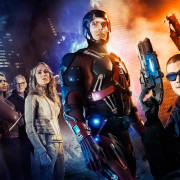 The CW Releases Their First Legends of Tomorrow Photo – With Caity Lotz & Brandon Routh