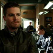 "Arrow ""The Candidate"" – Screencaps From A Preview Clip"