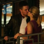 "Arrow: New Zealand Promo For ""The Candidate"" With New Scenes"