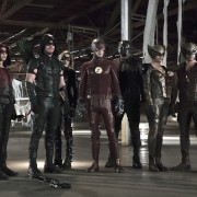 Heroes Join Forces: Arrow & Flash Cast Preview The Crossover In New CW Video
