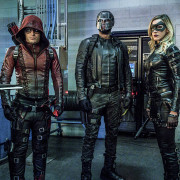 "Arrow ""Unchained"" Photos: Colton Haynes Returns As Roy Harper!"