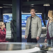 "Arrow ""Code of Silence"" Preview Trailer"