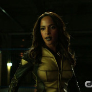 "Arrow ""Taken"" Promo Screencaps — With The Vixen!"
