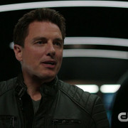 "Arrow: Screen Captures From The ""Sins Of The Father"" Promo Trailer"